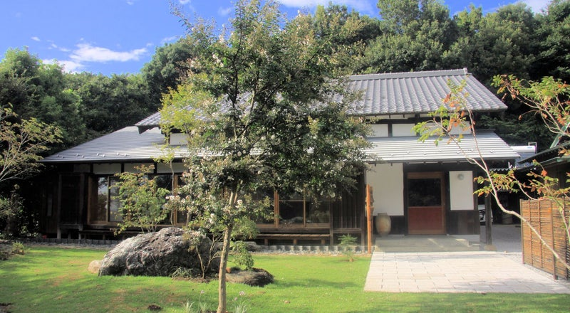 庭園あり築100年の古民家をお寺にリノベ