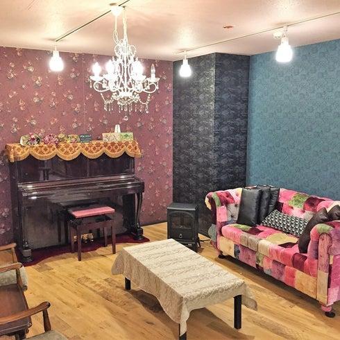 セカオワソファーやピアノ、キッチンがあるオシャレ空間 パーティー、コスプレ、YouTube、撮影【久屋大通 徒歩5分】 の写真