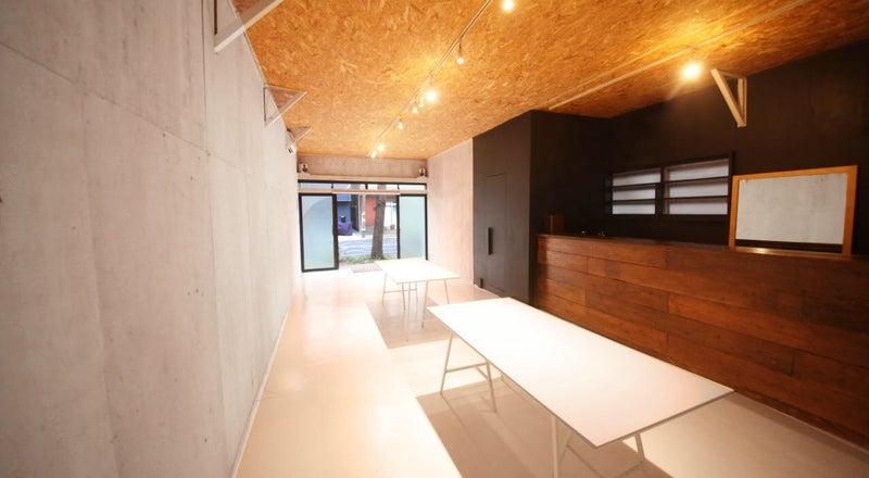 清澄白河リバーサイドのカフェを併設したマルチスペース