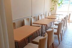 おしゃれなカフェでカルチャー教室、ワークショップ、会議、パーティー、フリマ、展示会等OK♪ の写真