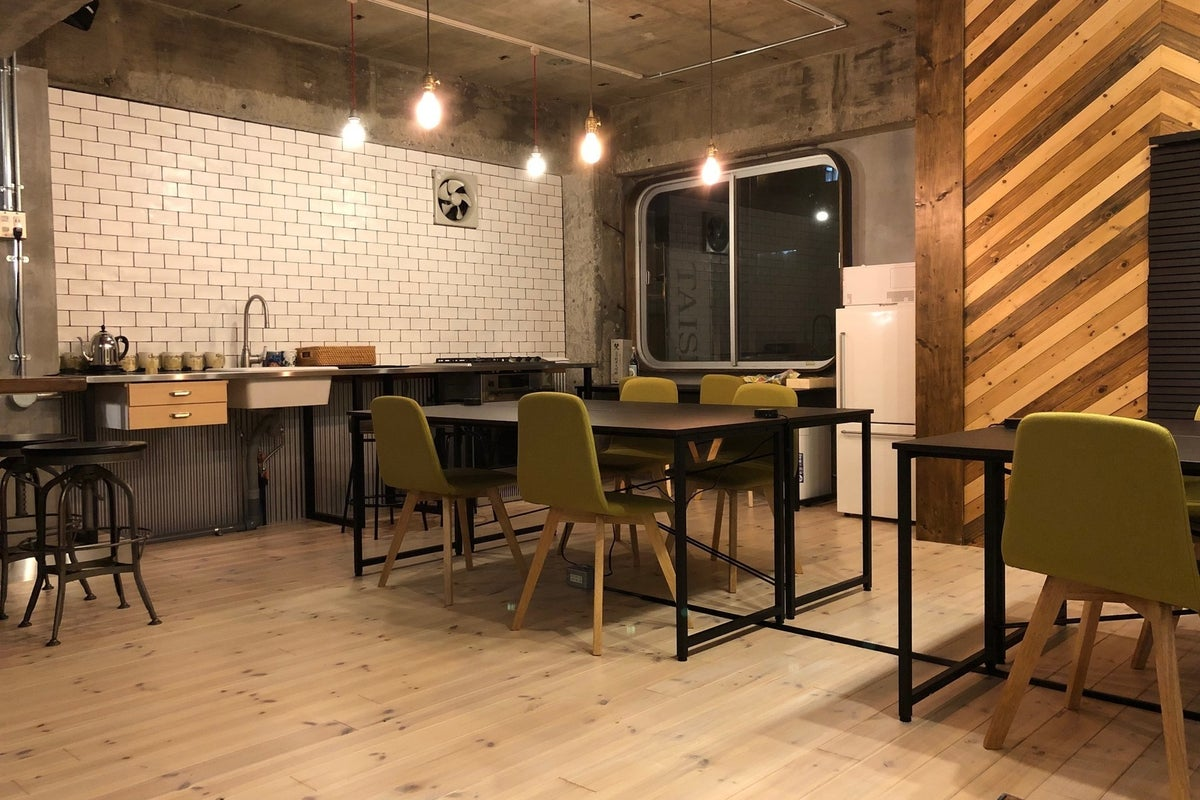 【浅草駅徒歩2分】キッチン付きイベントスペース「浅草コワーキングハコバナ」 の写真