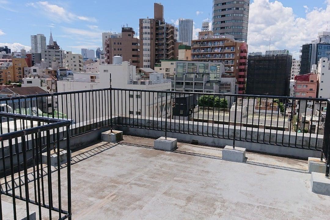 新宿区 四谷 荒木町屋上 撮影に絶好の立地です。商用撮影、個人撮影、コスプレ撮影にも最適 の写真