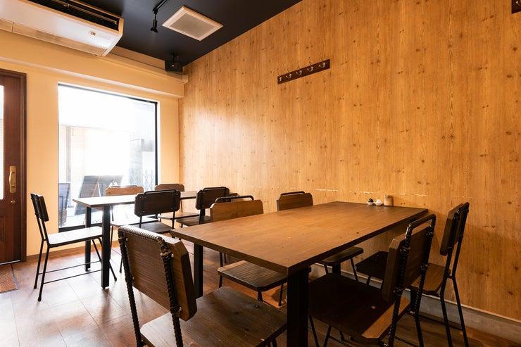 【奈良駅徒歩5分】カジュアルで洋風な隠れ家カフェスペース。パーティ・ロケ撮影・会議などに! の写真