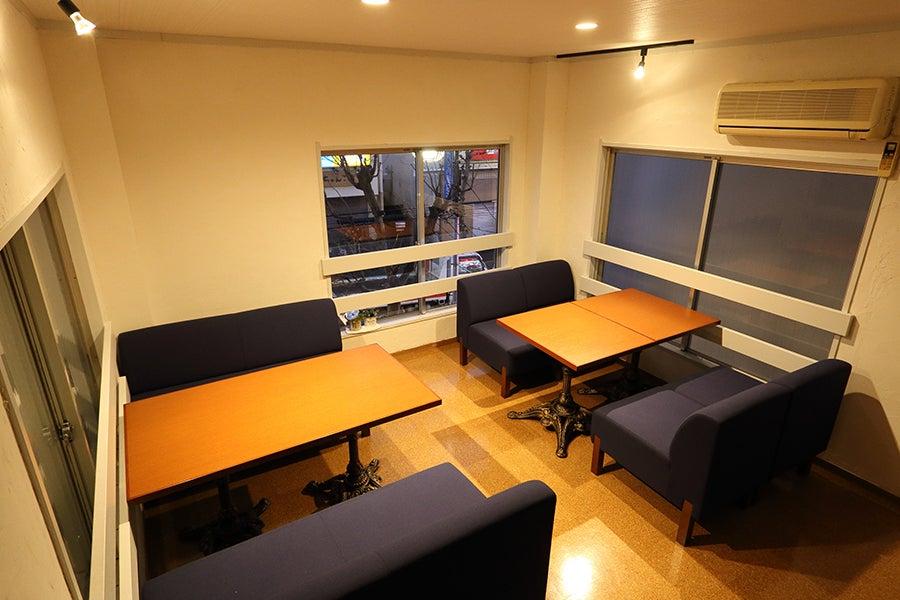 おしゃれな一軒家を貸切。2階のスペースが広いので、パーティや撮影、展示会などに!キッズスペースあり。 の写真
