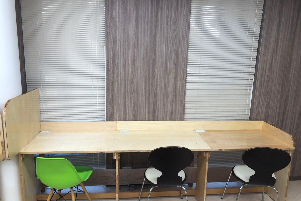 小規模の会議、オフィススペース、講座、レッスンなどに最適。 の写真