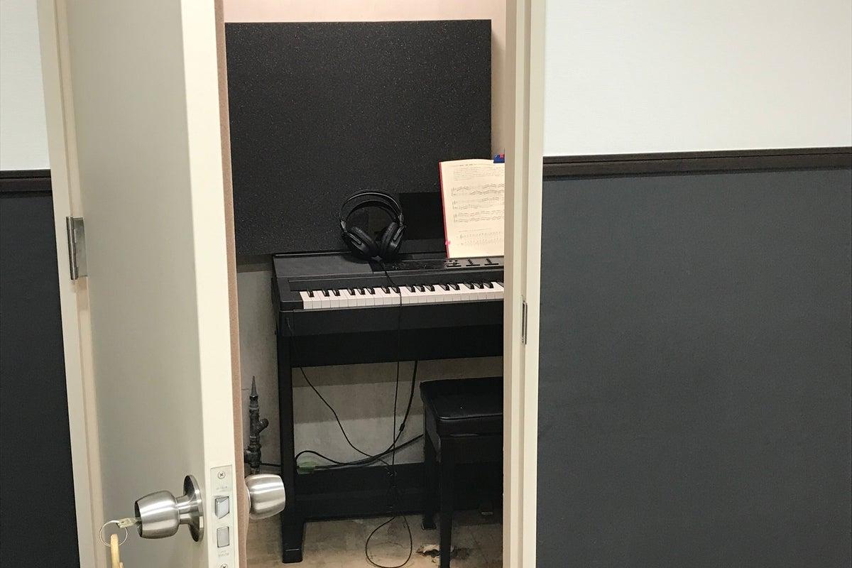 【駐車場無料】05部屋 仙台駅徒歩5分!17㎡の自由な空間!WSなど。電子ピアノオプション有  の写真