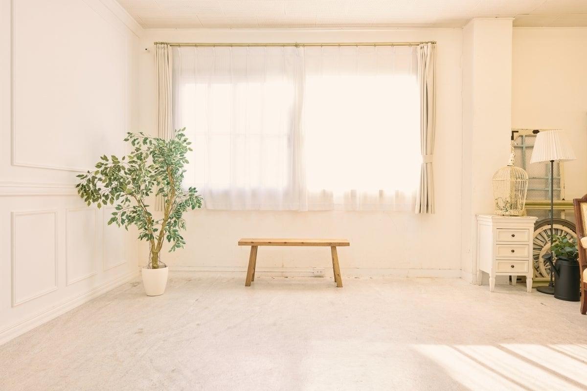 自然光を活かした白基調のハウススタジオ【ROCO STUDIO 新神戸】 の写真