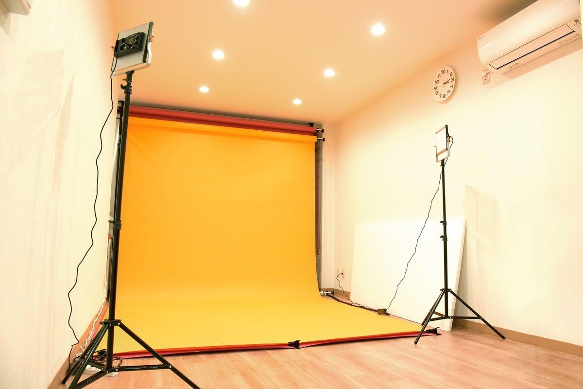 浅草橋【一室貸し切り】全15色のカラー背景紙が使える撮影スタジオです!撮影機材/完全個室/背景紙変更OK の写真