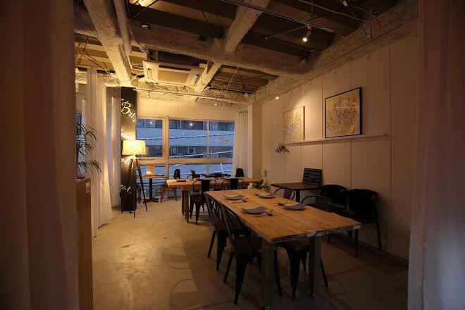 今話題の奥渋谷にあるcafe&barです。パーティー、ライブ、ワークショップスペース、ロケ撮影等に。 の写真