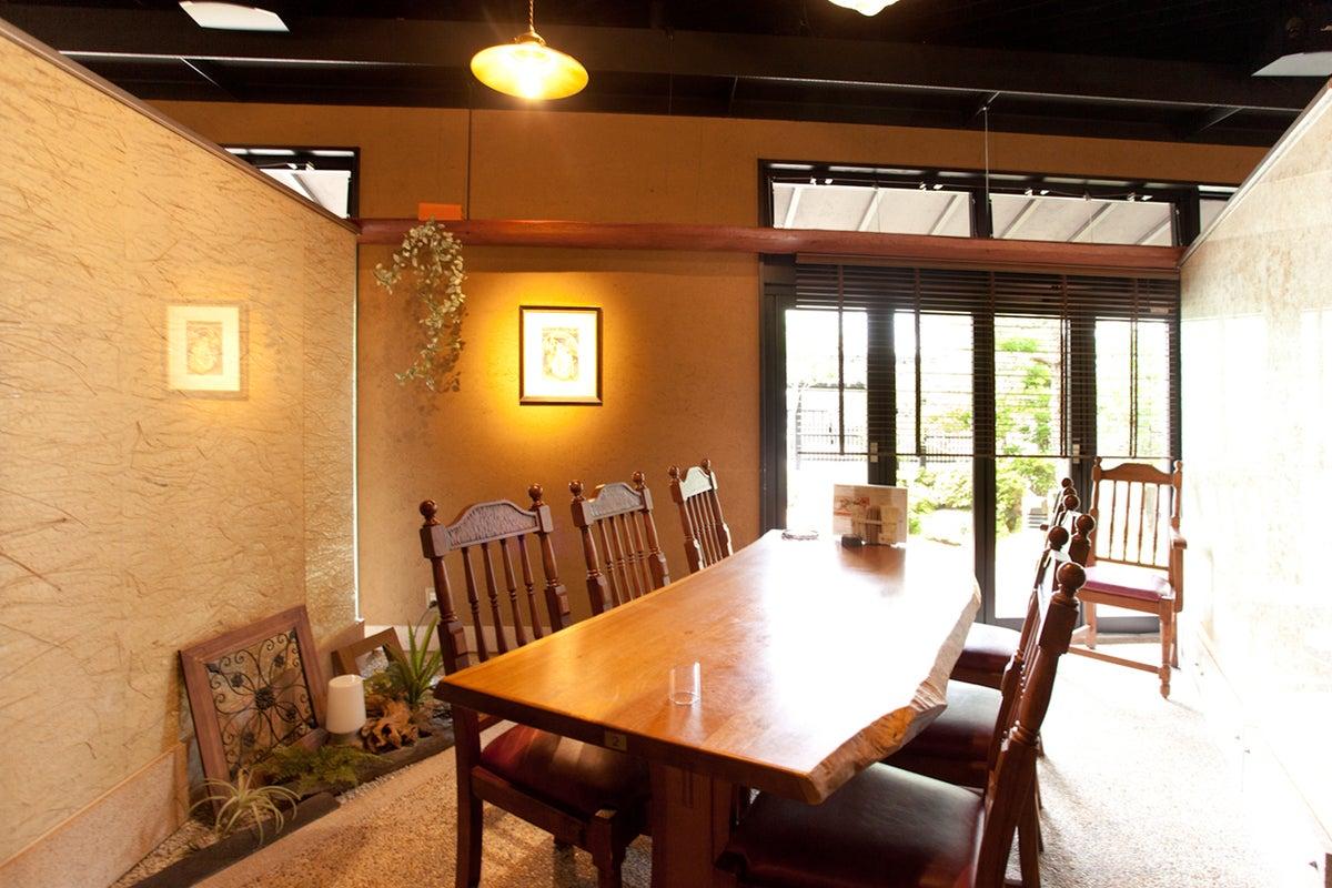【金沢市鞍月】おしゃれで開放感のあるカフェスペース。セミナー・ロケ撮影・会議などに! の写真
