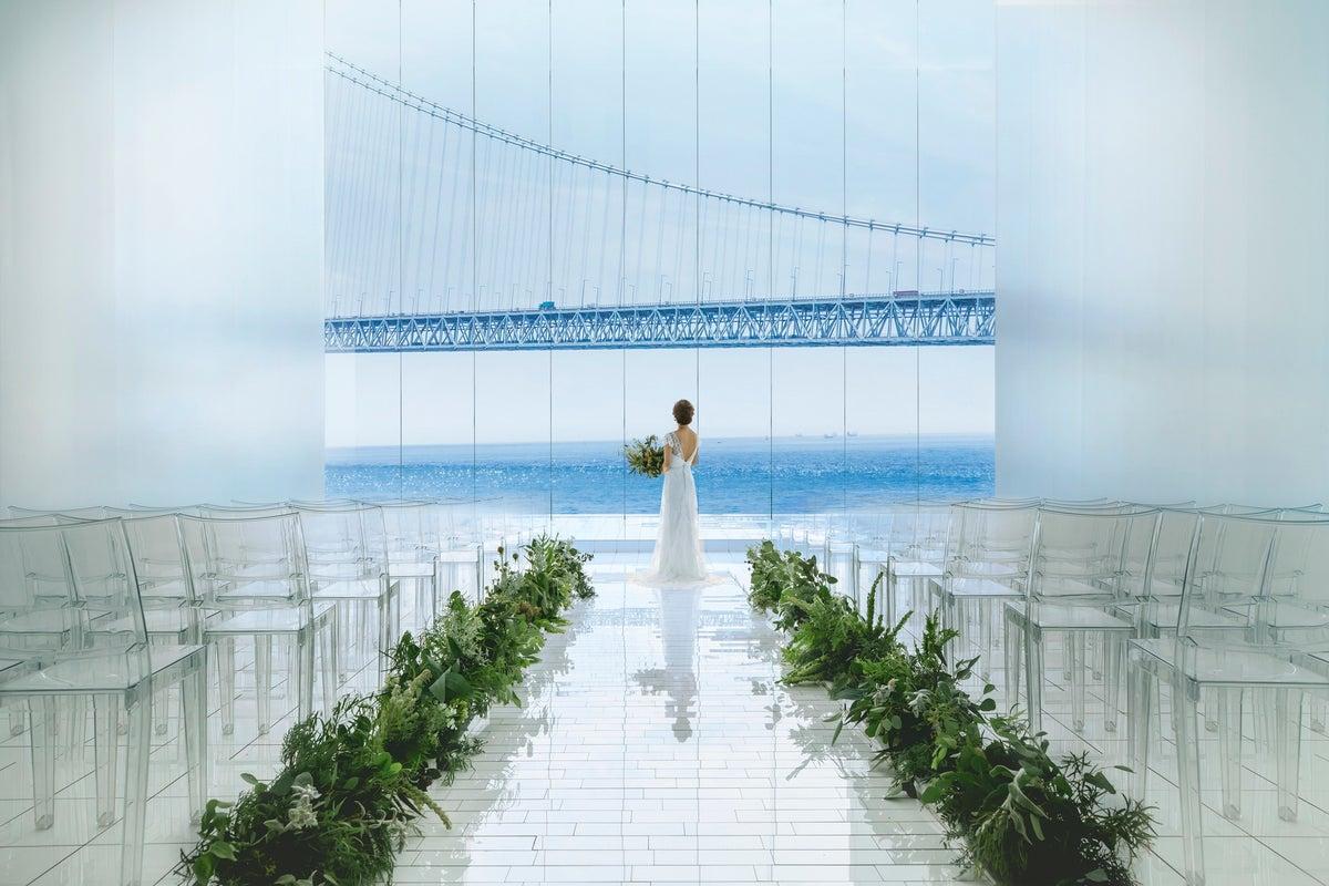 明石海峡と淡路島を一望できるチャペルを貸切 撮影・展示会・ヨガ・セミナー・演奏会 の写真