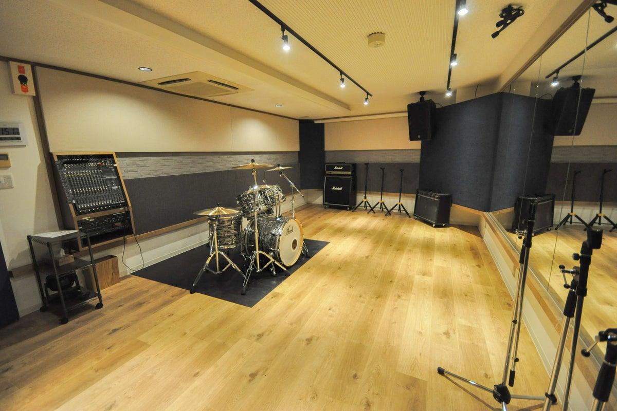 2018年オープン!新松戸駅徒歩2分のダンス・音楽・ピアノスタジオ!【S5スタジオ】 の写真