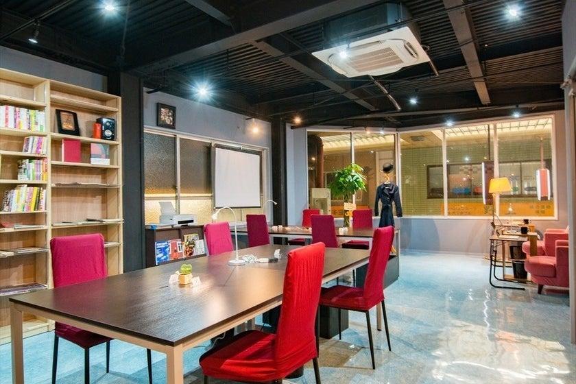 茨木市 初!のコワーキングスペース・レンタルスペース。作業・会議・貸切イベントなどに! の写真