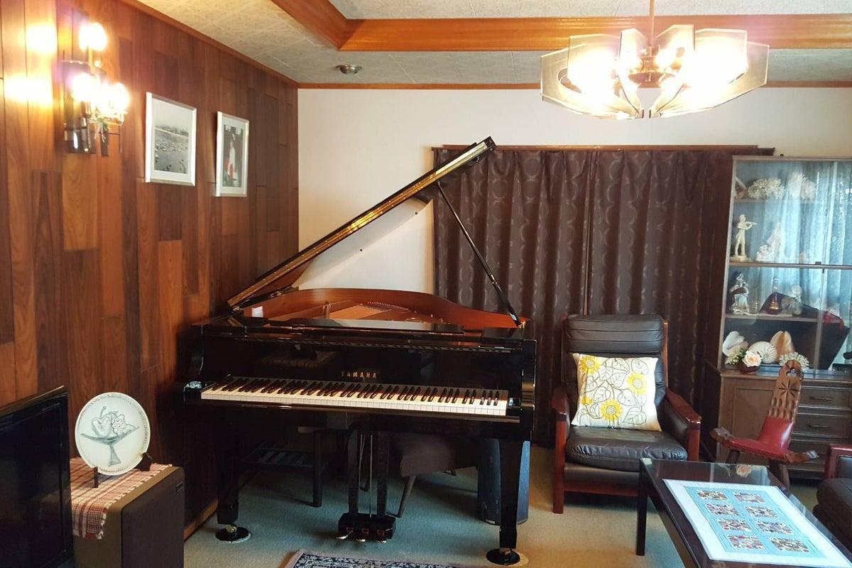 南海高野線初芝駅より徒歩3分! クラシックで落ち着いた雰囲気の中で、グランドピアノが弾ける空間です! の写真