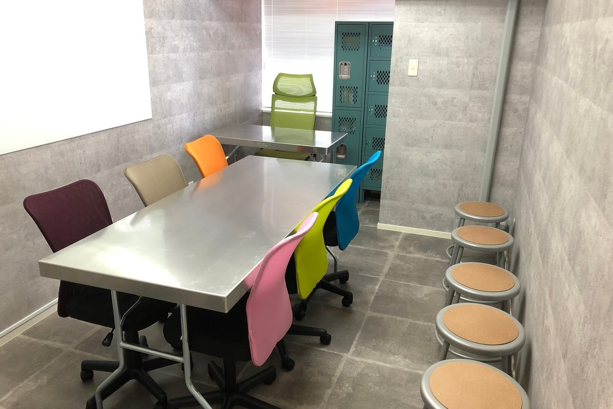 ⭐️SSS渋谷⭐️ハンズ前✨完全個室✨女性も利用しやすい空間✨WiFi無料😝プロジェクター、プリンター、ホワイトボード🎥 の写真