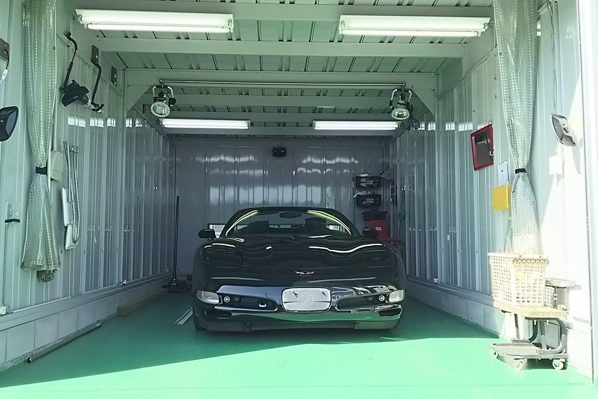 レンタルガレージ/レンタルピット/レンタル塗装ブースです!車の整備や塗装にピッタリ の写真