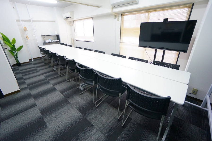 ✨OPEN SALE✨<ノワール会議室>24名収容♪新大阪駅徒歩3分♪wifi/プロジェクタ無料 の写真