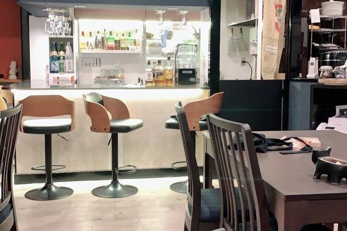 【和泉・岸和田】ライブステージのあるおしゃれな洋風カフェ。演奏会・パーティ・ロケ撮影・会議などに! の写真