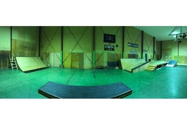 倉庫を改装したスケボーパーク!撮影、イベント、貸し切りBBQなど色んな用途に!! の写真