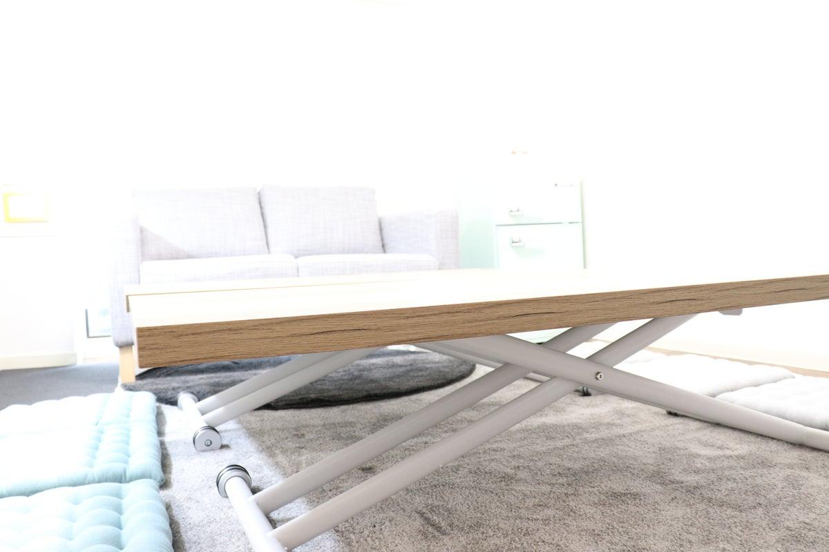 01【スペースマークン花園神社】ポップ&リラックス!くつろぎ空間!ボドゲ・女子会・ママ会・オフ会・会議利用などに! の写真