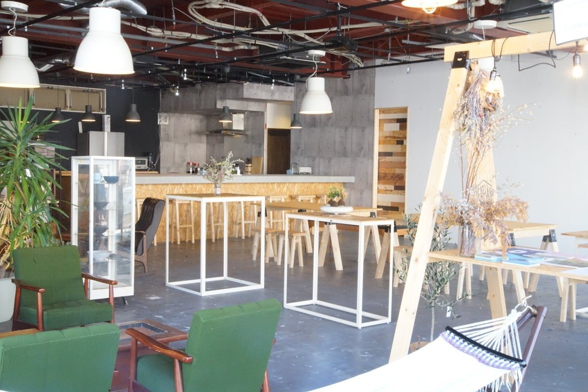 《EATLAB》ゆったり5mのオープンカウンター付きキッチンスペース!2019 NEW OPEN✨料理教室や食事会に! の写真