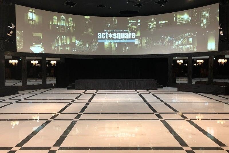 東京・恵比寿に位置する2F/360°のオリジナル巨大スクリーンに囲まれたイベント会場「アクトスクエア」。 の写真