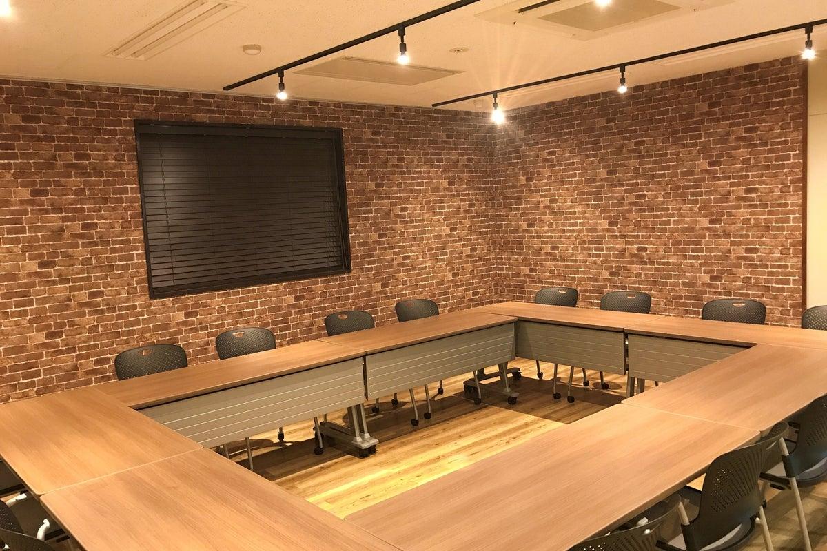 *New*(湘南 鎌倉)落ち着いた雰囲気の会議室です。サイズの異なる3室からお好みのお部屋をお選びください。 の写真