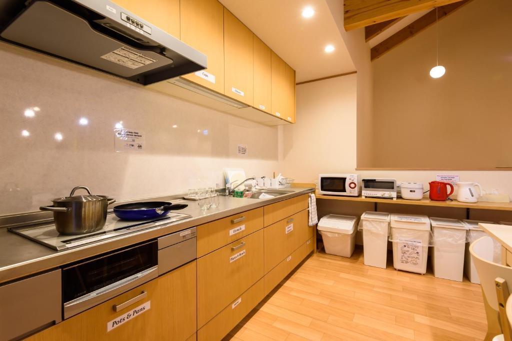 キッチン付きスペース!用途は柔軟に対応!食事会や会議利用などに! の写真