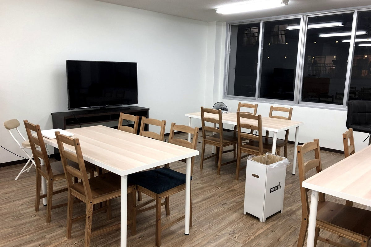 【Bespoke Lounge茨木】最大100名利用可能なキッチン付きコワーキング・イベントスペース の写真