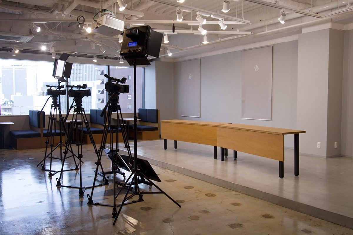 【六本木・乃木坂】YouTube Liveなどの撮影配信・映像制作に機材バッチリ完備のスタジオ! の写真