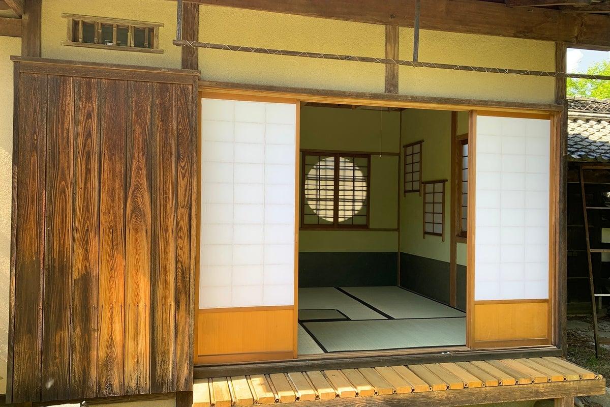 【長野・松本】住宅街の森の中にあるお茶室 の写真