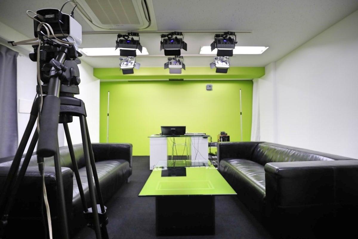 【駅近✨徒歩5分】セミナートークセッションも可能♪クロマキースタジオ撮影プラン(A) の写真