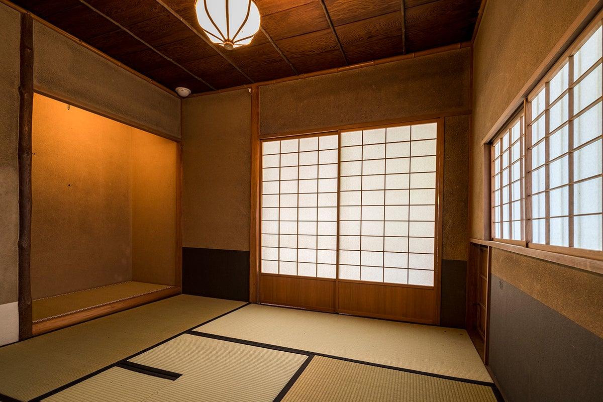 【鎌倉】歴史ある本格的な一棟建てのお茶室でお茶会!最大10名 お茶事にも◎茶室二間 水屋 日本庭園 レンタル茶室 成人式の前撮り の写真