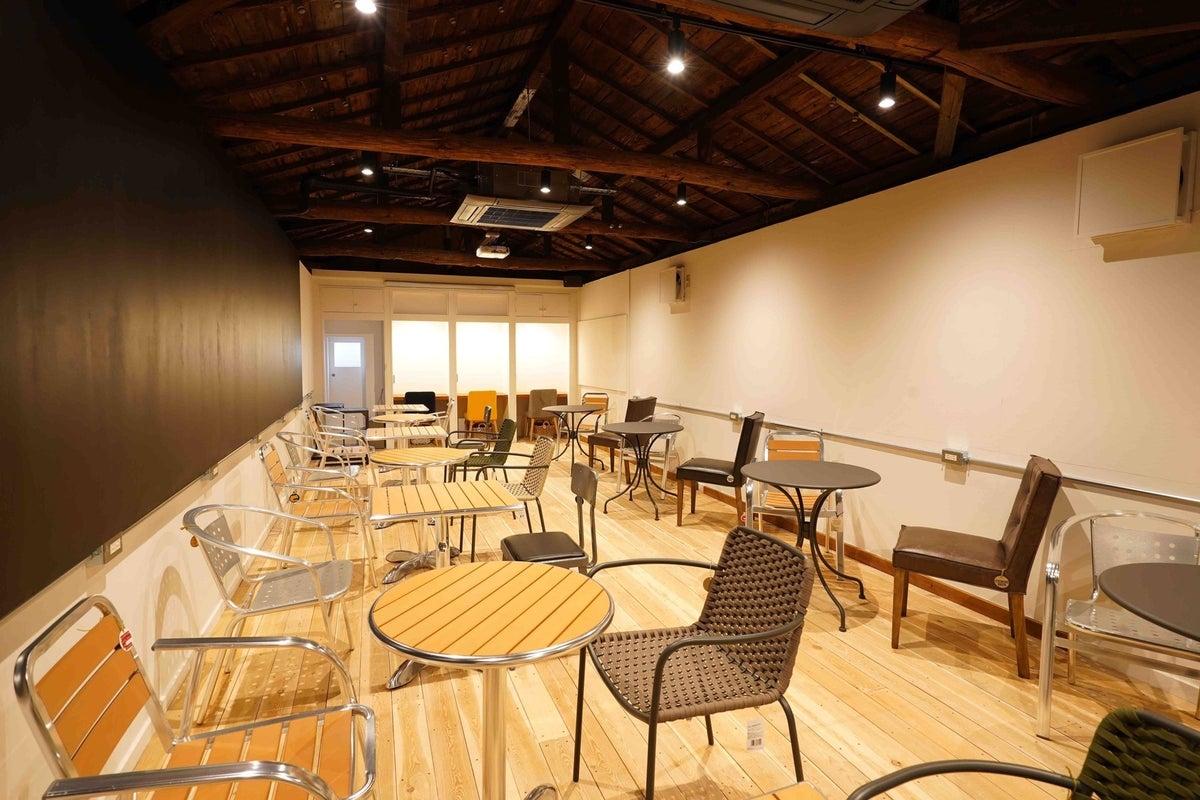 【コンセントカフェ】「おはよう朝日です」にも紹介された本町駅徒歩100歩のキッチン付カフェスペース の写真