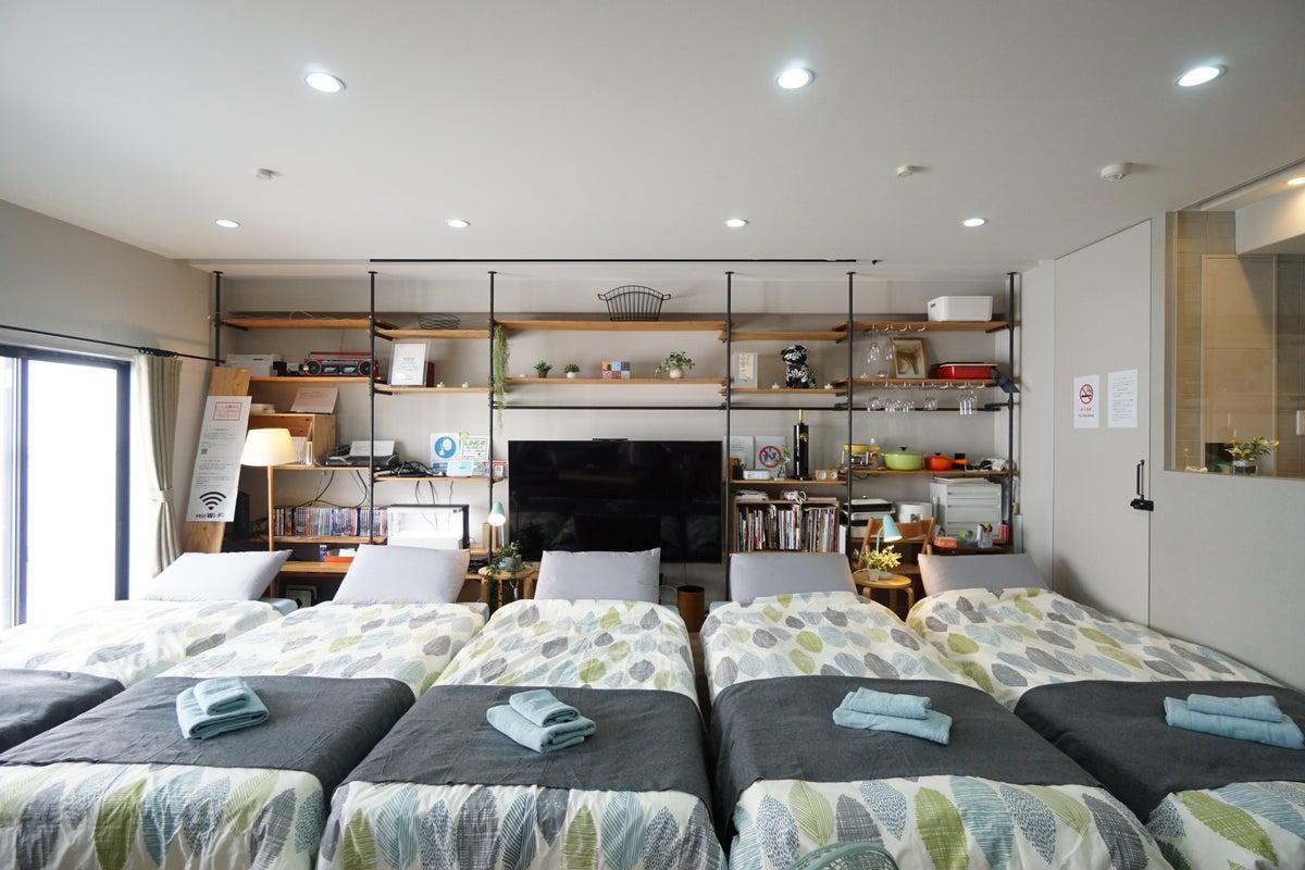 開放感があり広々したお部屋‼キッチン付きで調理器具も豊富!! の写真