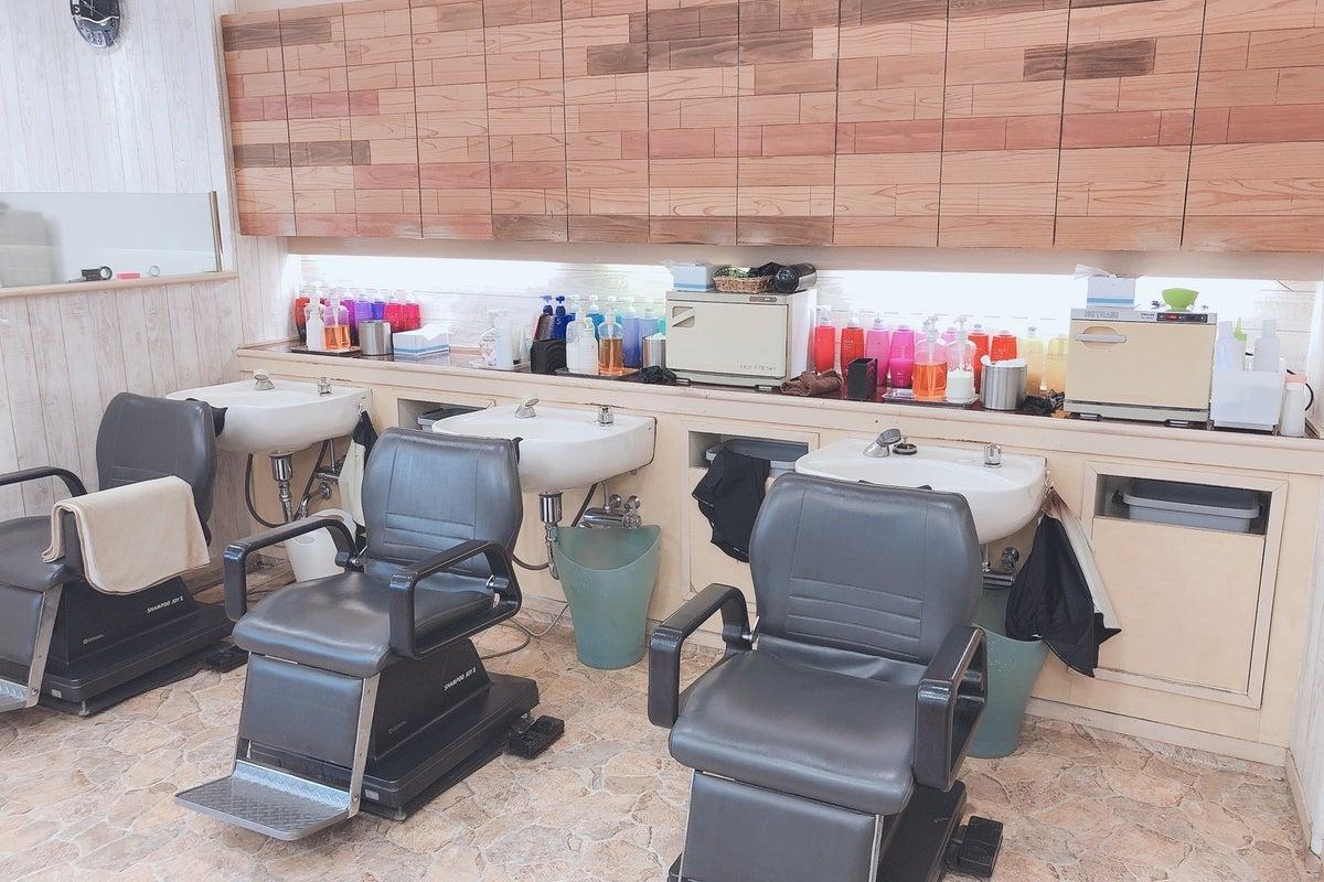 【レンタルヘアサロン】時間貸し、現在営業中の一面ミラーレンタル、フリーランスの美容師の方へ! の写真