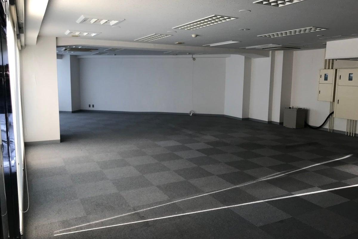 【新宿展示場】完全貸切・最大100名収容 展示会・個展 都内最大級フリースペース🖼 の写真