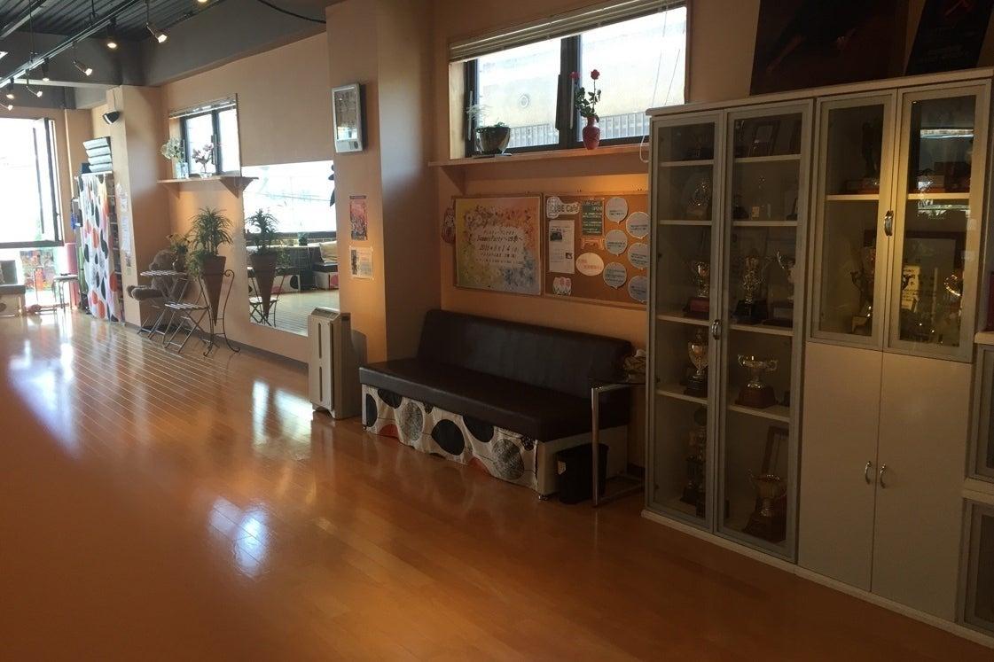広々30坪フロアー!ダンススタジオなので音響設備もあり、多種多用に活用出来ます! の写真