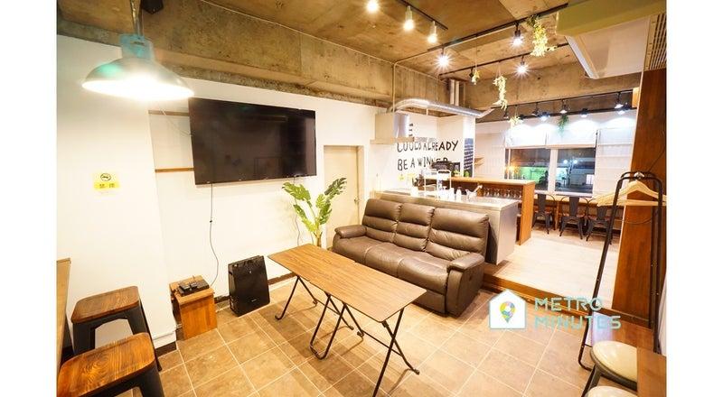 ✨SALE✨<バロックスペース>リモートワーク・テレワークにも最適!楽しめるデザイン空間⭐大型TV&キッチン!伏見駅徒歩7分