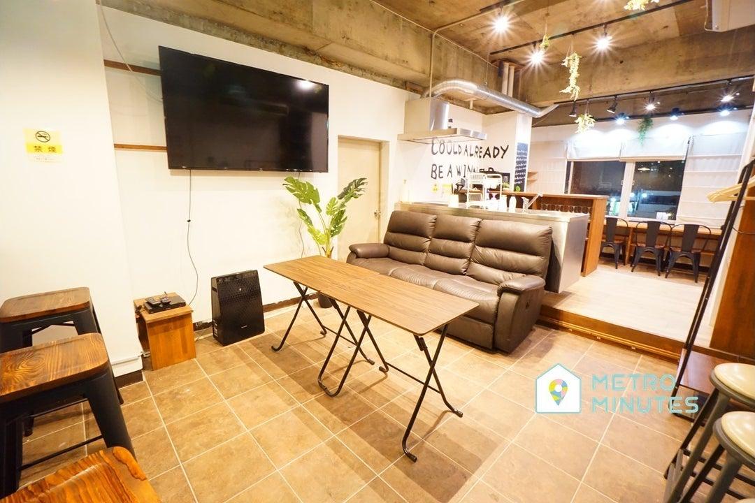 ✨OPEN SALE✨<バロックスペース>楽しめるデザイン空間⭐大型TV&キッチン!伏見駅徒歩7分 の写真