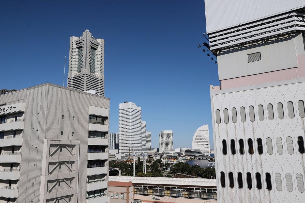 145【LEON会議室】桜木町駅1分/静かな完全個室✨トルソー📷プライムビデオ🎥Wi-Fi/プロジェクター の写真