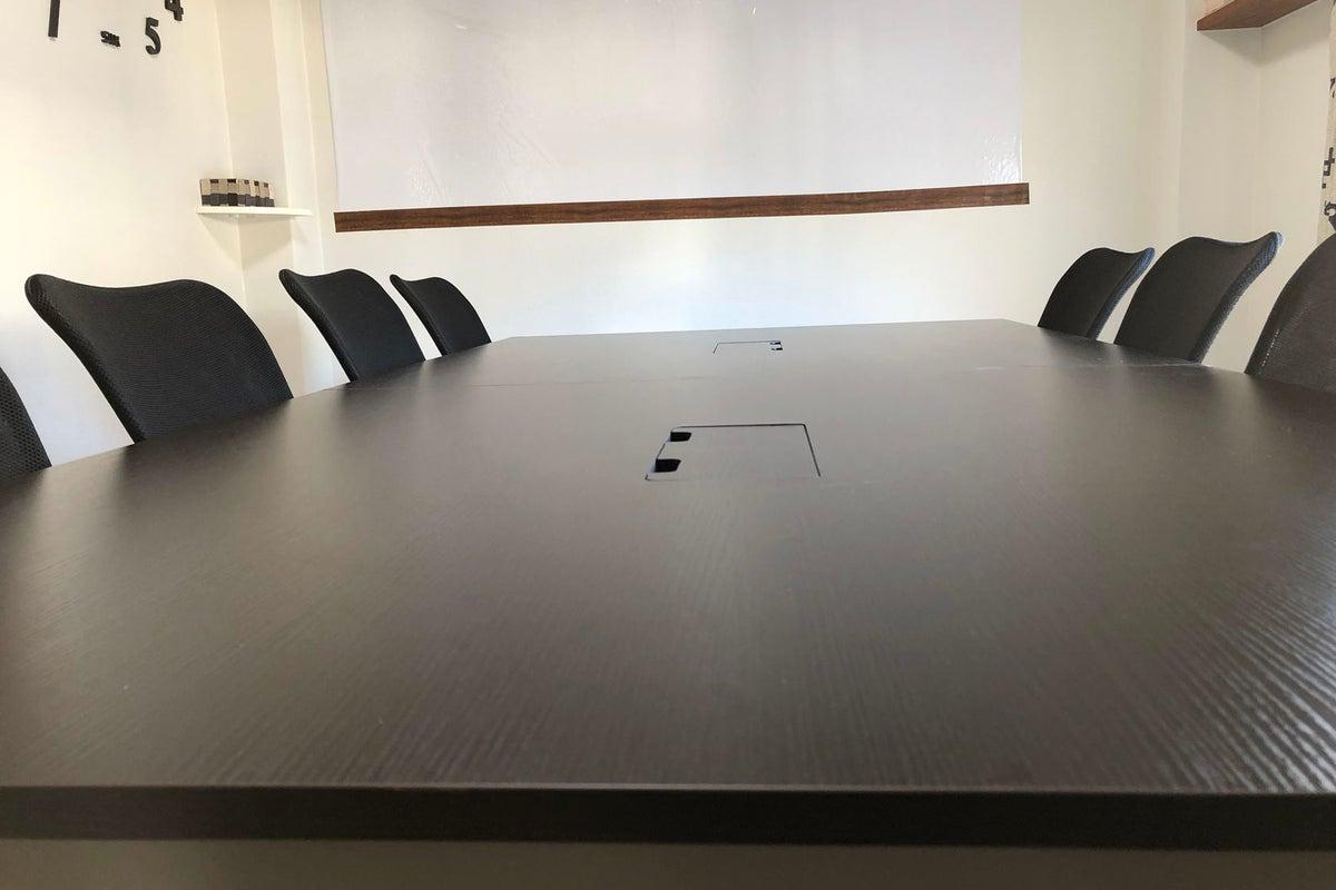 【オシャレ会議室 東西線浦安駅】浦安駅5分 コインパーキング多数 完全個室 の写真