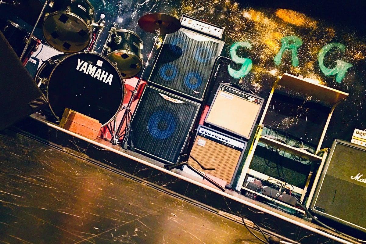 ライブスペース イベント 上映会などに 楽器貸出も可能です の写真