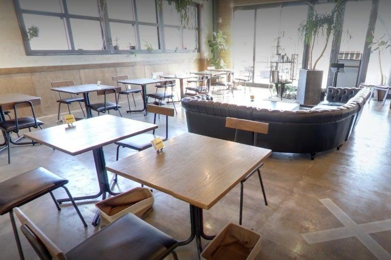 【フロア貸切】100名まで収容可能なカフェスペース。パーティー/撮影会/ミーティング/各種イベントに対応 の写真