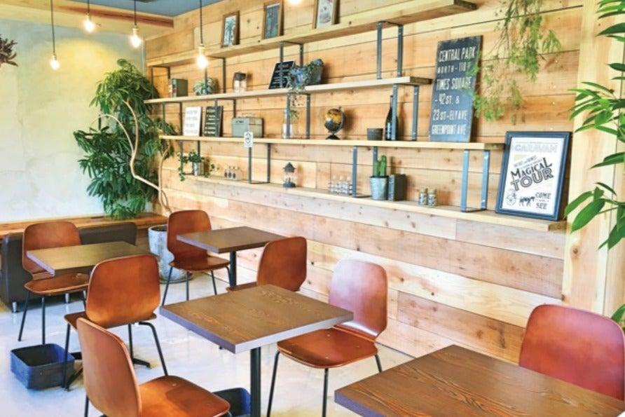 【フロア貸切】50名まで収容可能なカフェスペース。パーティー/撮影会/ミーティング/各種イベントに対応 の写真