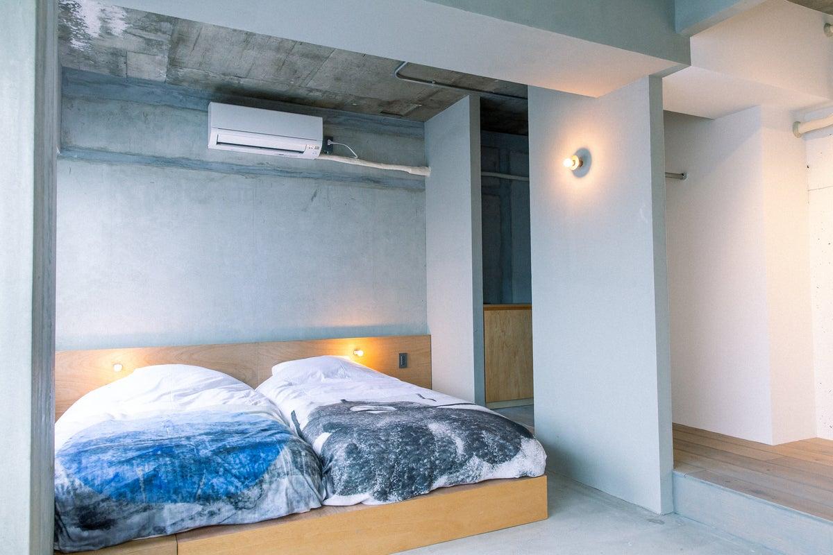 アーティストの住むホテルで、アート作品と共にゆったりかつ刺激的に過ごせる部屋1 の写真