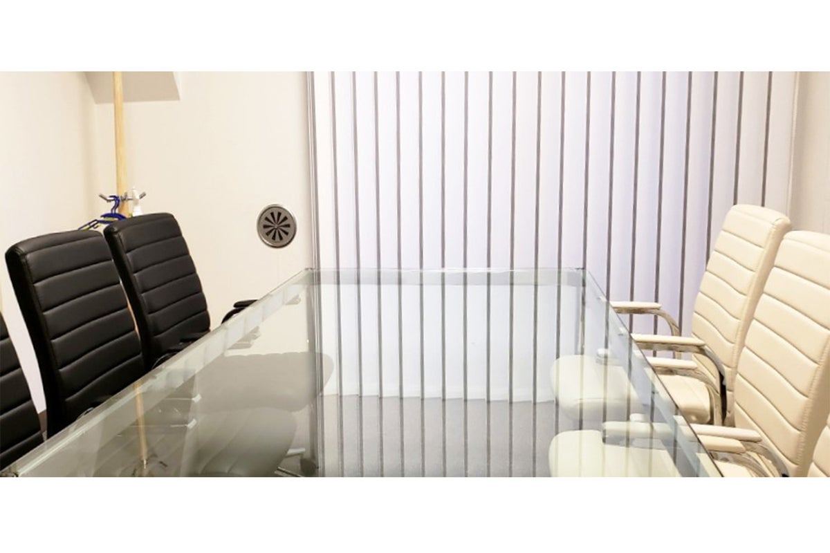 【八王子駅チカ4分】ビジネスユースにピッタリの3階 ミーティングルーム の写真