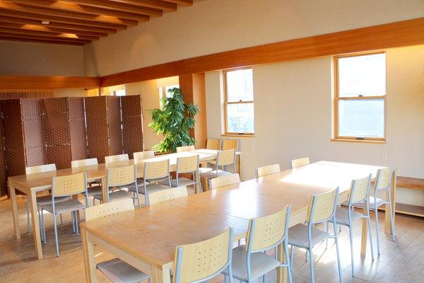【アグリス成城】駅徒歩1分/キッチン付き/花屋2階のナチュラルで落ち着いたスペース  1枚目