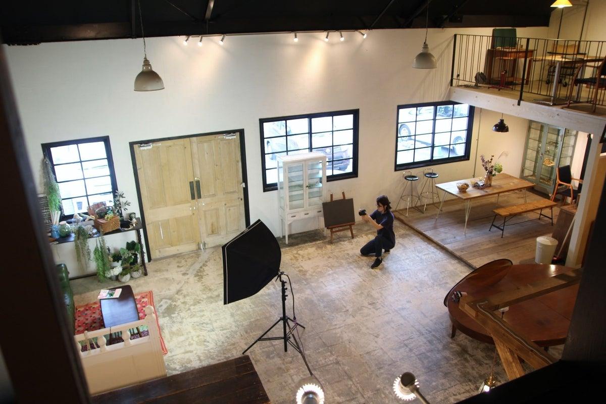 広く開放的なスタジオ!法人・個人利用可。撮影や展示会、イベント利用など。 の写真