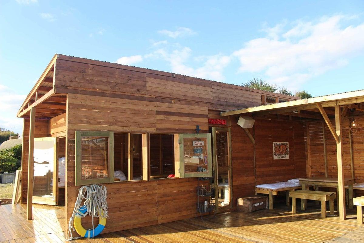 夕日の綺麗な一望のVIPルームを完全貸切!南国風のおしゃれ施設 の写真